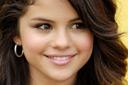 Selena Gomez pe covorul rosu