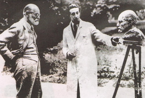 Sigmund Freud and Oscar Nemon, 1931.