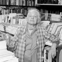 Frances Steloff, Una librera de vanguardia