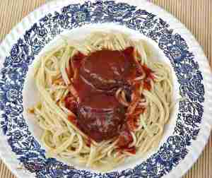 spaghete cu chiftelute si sos_a