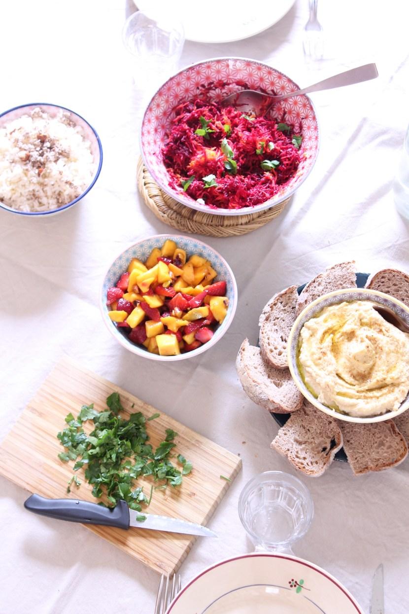 photo de plats variés pour buffet froid vegan
