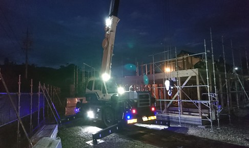 クレーン車・48w作業灯利用写真
