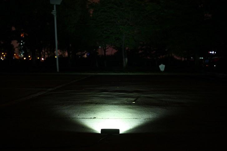 18w作業灯 正面点灯写真