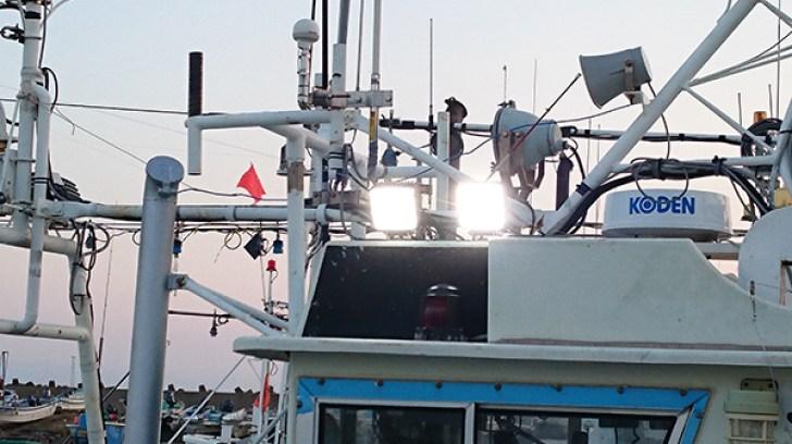 船舶 LED作業灯 点灯写真