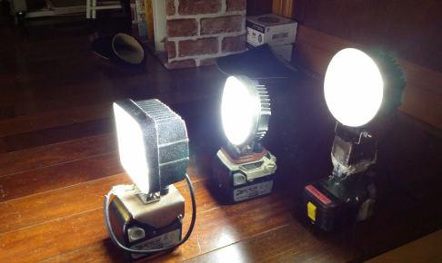 自作・充電式作業灯点灯写真