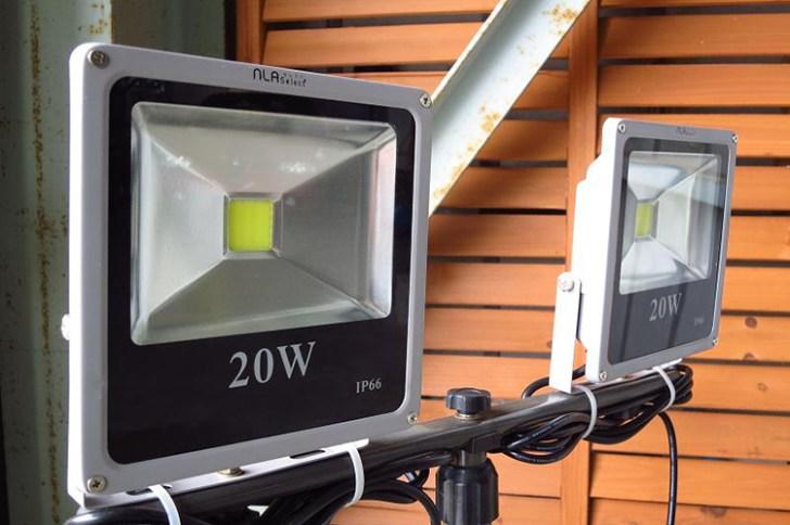 20w投光器・ガレージ使用