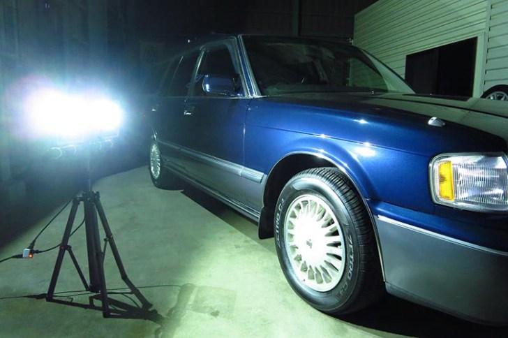 ガレージ投光器・点灯写真