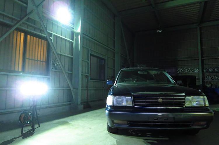 ガレージ・車庫の照明で人気の投光器・設置事例10例のご紹介