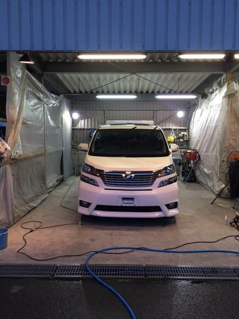 ガレージ・LED投光器2台利用写真