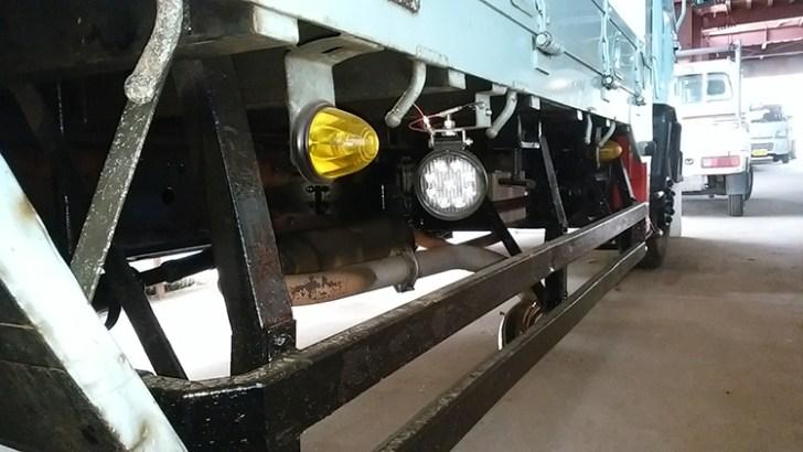 トラック・タイヤライト(27w)