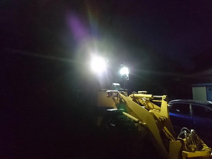 ホイールローダー・夜間照明
