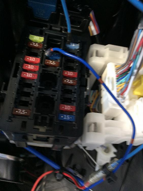 軽トラ・作業灯バッテリー接続