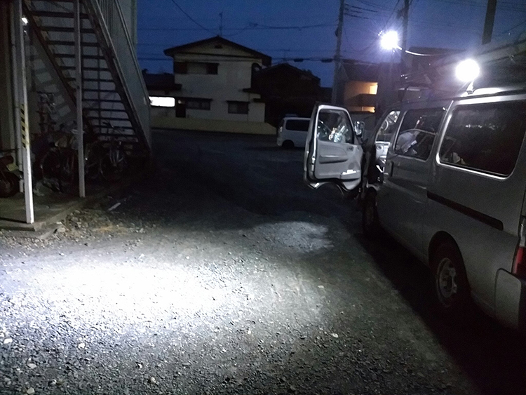 LED作業灯・商用車設置写真