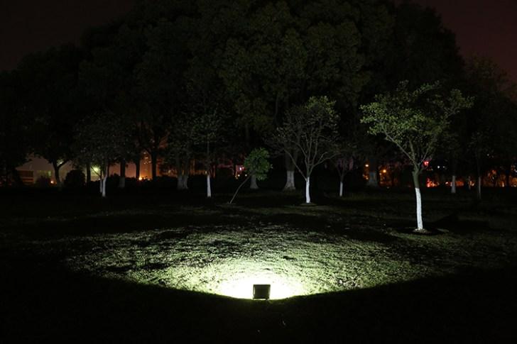 20w投光器・夜間照射時撮影(正面)
