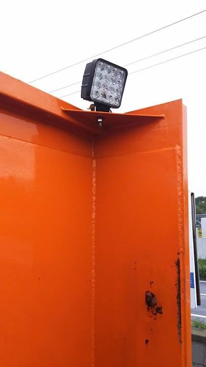 ダンプ・作業灯荷台設置