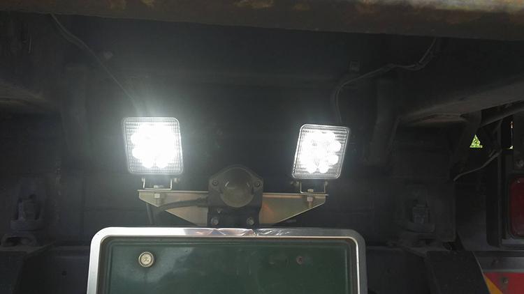 27w・LED作業灯ダンプ活用事例