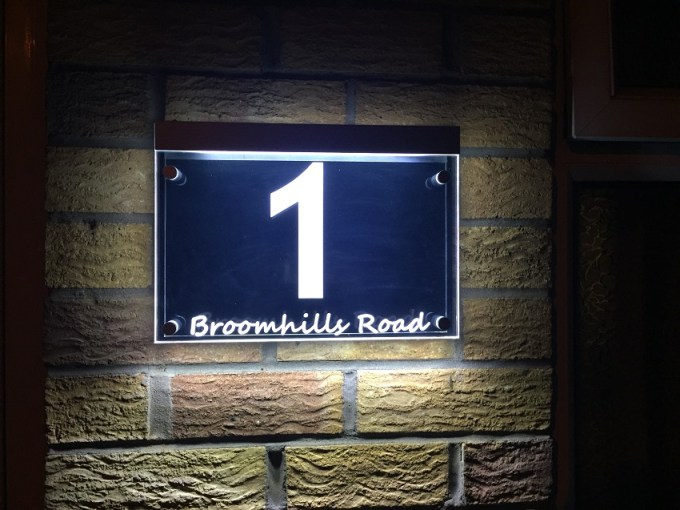 Illuminated modern house signs led house number for Modern house number plaques