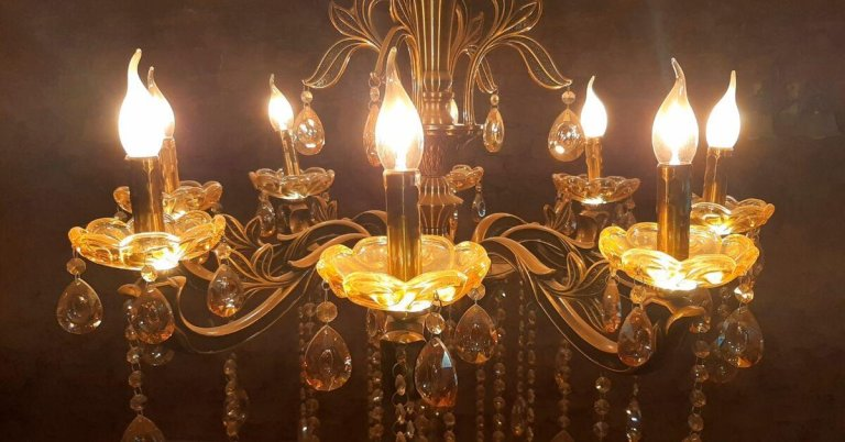 best light bulbs for chandeliers