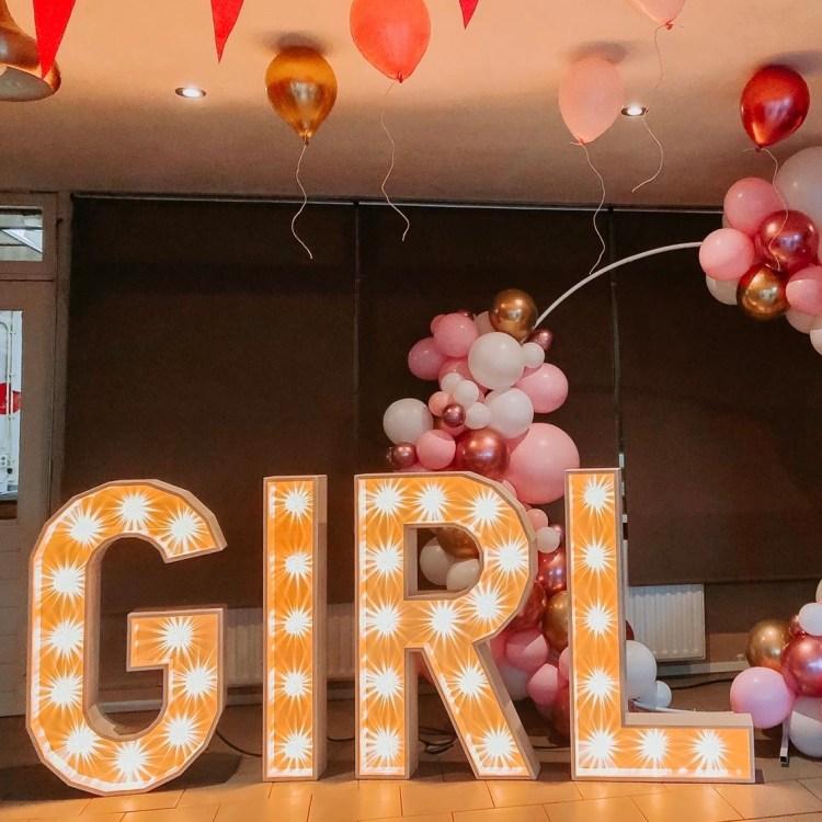 Girl lichtletters huren babyshower