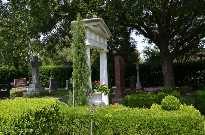 Cemetery_Plantings_Lee_Ann_Torrans-16