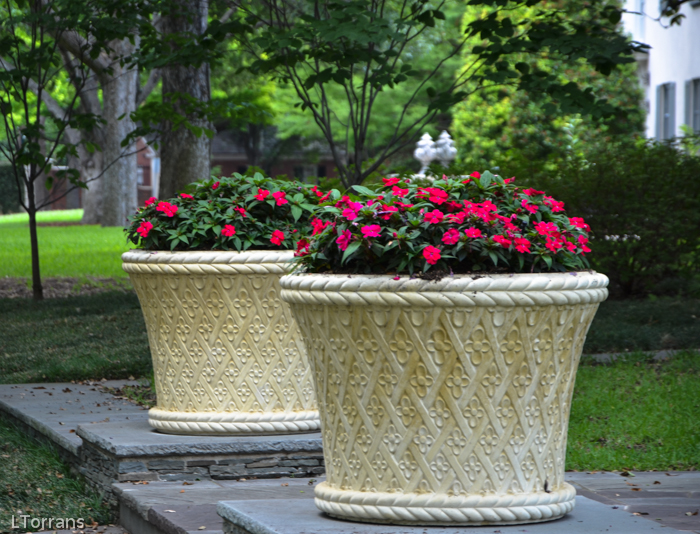Ceramic flower pots for out doors.