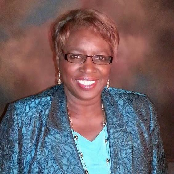 Gwyn Glittens – Candidate for Lee County School Board District 5