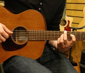 Shopping for your first Acoustic Guitar – a Buying Guide for 2020