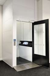 Lift showroom ECO large door open