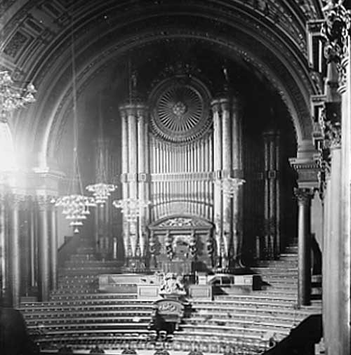The Leeds Town Hall organ in 1890. Credit Leeds Libraries and Information Service.