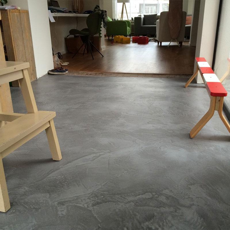 Betoon Look Vloer : Woonkamer vloer leef beton