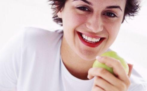 Gezond eten is belangrijk om meer vet te verbranden en af te slanken zonder jojo effect. Structureel te weinig eten heeft echter het averechts effect en is erg ongezond