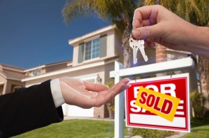 buying and selling a house-making an offer