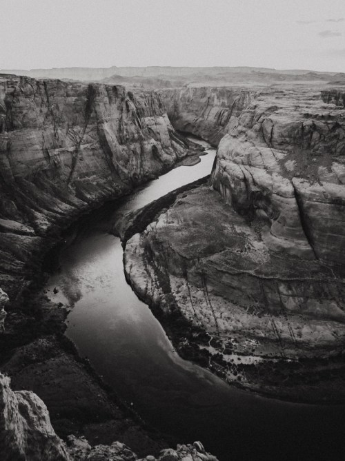horsehoe bend black and white nature art print