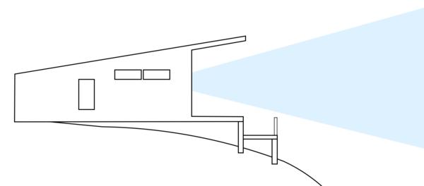 A lower deck hides the railings
