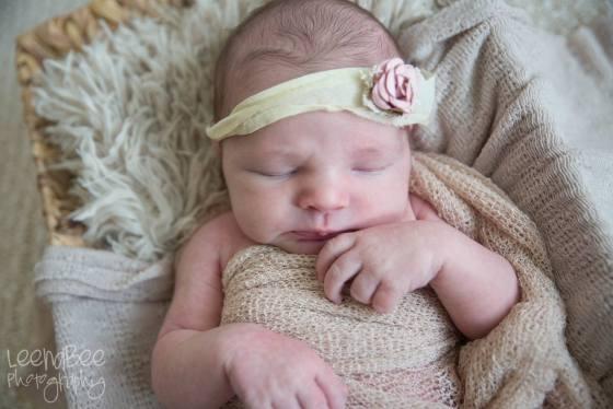 Katie P lifestyle newborn-13