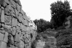 and a path below Il-Kappella ta' San Mattew (Qrendi, Malta)