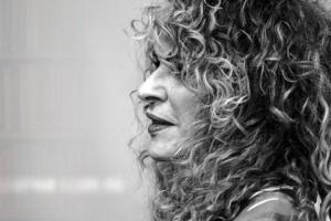 Erotismo y revolución: 5 poemas de Gioconda Belli