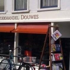 boekhandel douwes den haag https://www.boekhandeldouwes.nl/