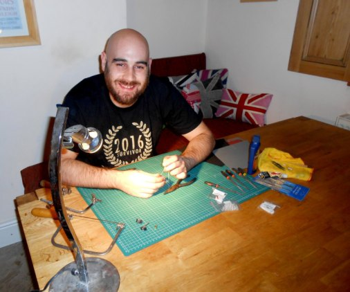 lee making jewellery
