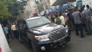 Haïti-Protestation :  L'ex président Jocelerme Privert attaqué part des militants de l'opposition