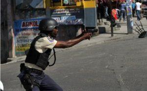 Cité Soleil-Insécurité : Des postes de police envahis par des bandits armés, un inspecteur Divisionnaire assassiné