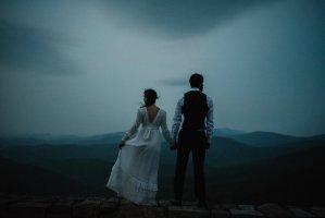 Lisa+and+Stuart+-+Post+Wedding+Couple+Portraits+-+White+Sails+Creative+-+Blue+Ridge+Mountains+-+Sunrise+Shenandoah+National+Park_12