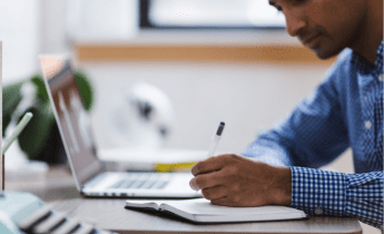 Pour de nombreux étudiants, impossible de suivre les cours sans ordinateur portable. Source : Pixabay