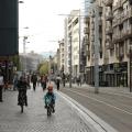 À l'occasion de la journée sans voiture, les cyclistes et les piétons profitent du centre-ville de Clermont-Ferrand. Photo : Coline Cornuot