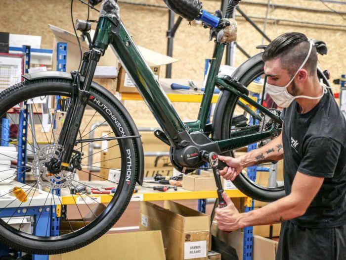 Les usines d'assemblage de vélos ne parviennent pas à tenir la cadence. Crédits Photo : Moustache