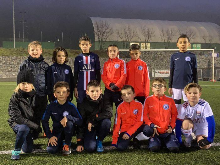 Les jeunes joueurs des catégories U8 et U9 s'entraînent désormais le mercredi de 16 H à 17 h 30 au stade de Vourles. Photo : Tom Bonnard