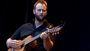 Stein Torleif Bjella ga ut sin solodebut i 2009. Her på Norwegian Wood, samme år. (Foto: Per Ole Hagen/Artistpicturesblog.com)