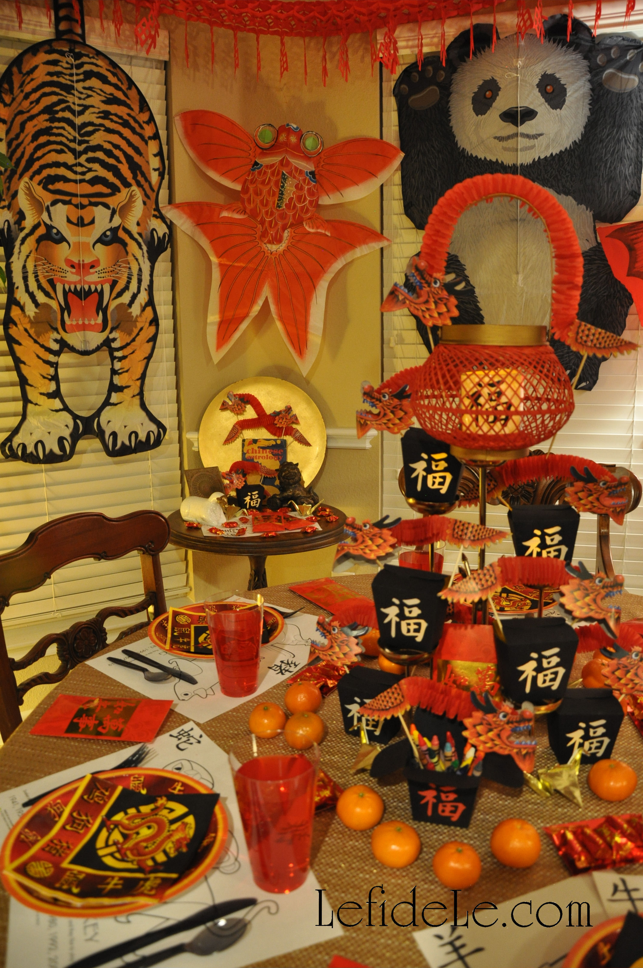 Modern chinese new year table setting - Celebrating Chinese New Year Is Always Fun As Each Year Comes With A New Built In Theme To Accompany The Vibrant Traditional Colors And Motifs