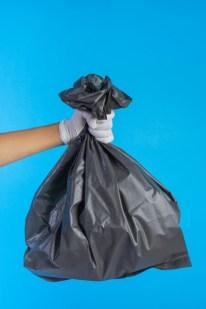un sac poubelle