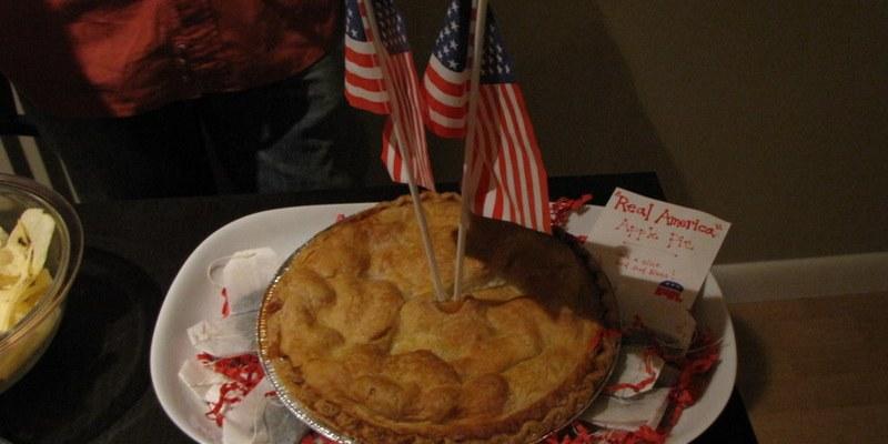 All-American Apple Pie - photo by saeru
